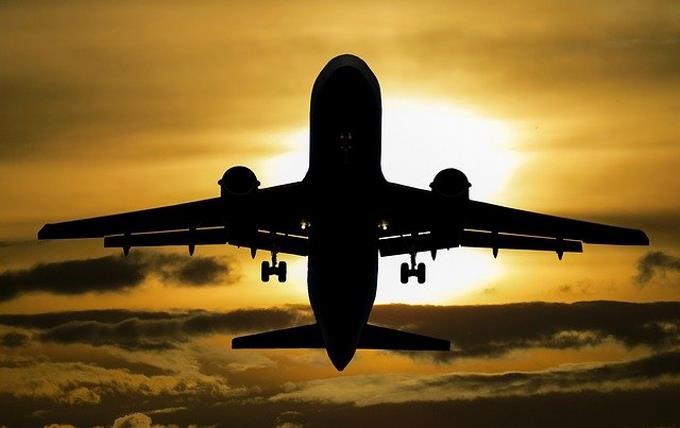 El turismo mundial sigue paralizado con restricciones en el 100% de destinos