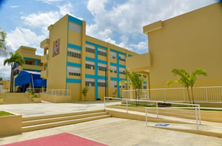 Ministerio de Educación autoriza a directores regionales a utilizar fondos para trabajos de adecuación de escuelas