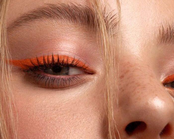 El maquillaje del verano: delineador de colores