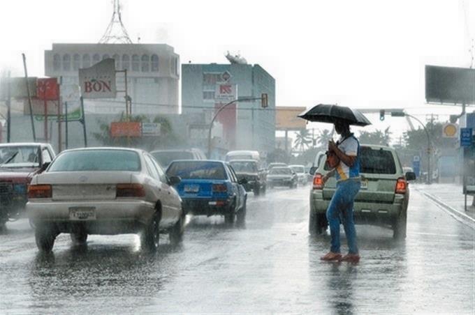 Onda tropical provocará aguaceros y tormentas eléctricas, según Onamet