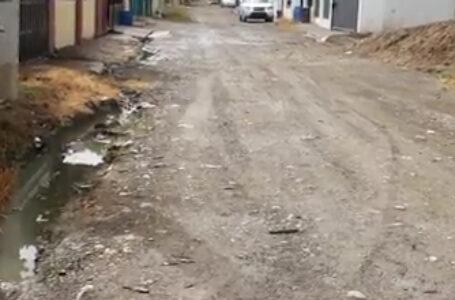 Con la llegada del nuevo gobierno de Luis Abinader,  Obras  Públicas está en la obligación de investigar donde fueron a parar esos millones de pesos que según él Presidente Danilo Medina se gastaron en asfalto del Barrio Kala 2 y Las Flores.