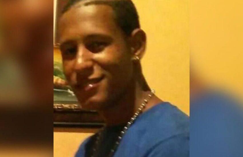 "Policía mata de cartuchazo ""accidental"" joven violó toque de queda"