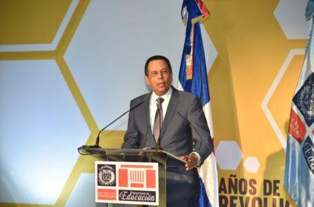"""Antonio Peña Mirabal: """"La historia deberá reconocer a Danilo Medina como el presidente de la educación dominicana"""""""