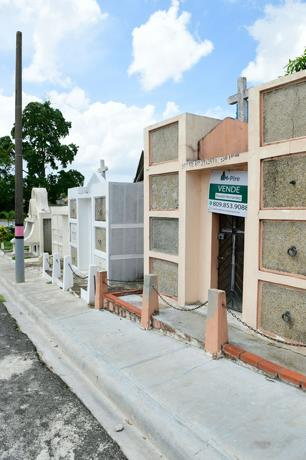 Crisis obliga a venta de nichos; Precios alcanzan hasta los RD$800 mil