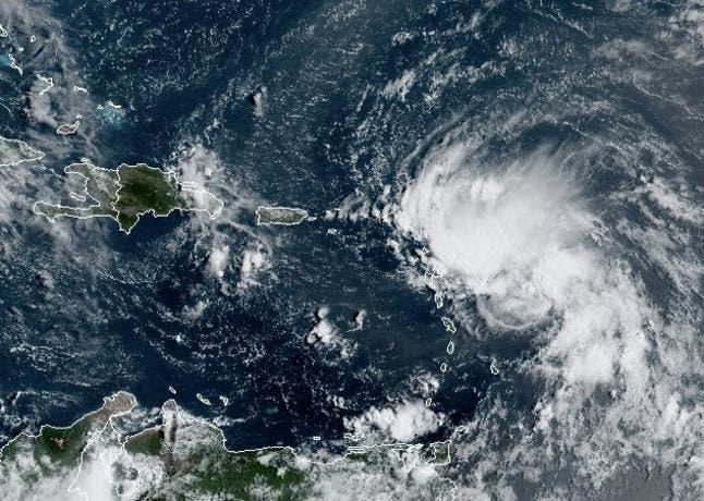 Depresión tropical 13 se convierte en la tormenta Laura