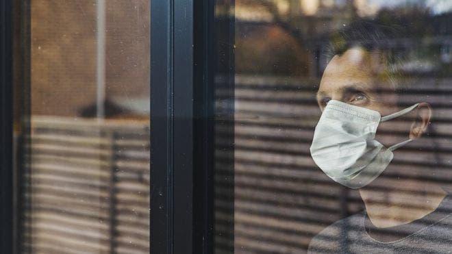 Contagio del coronavirus: por qué dar positivo no siempre significa estar infectado