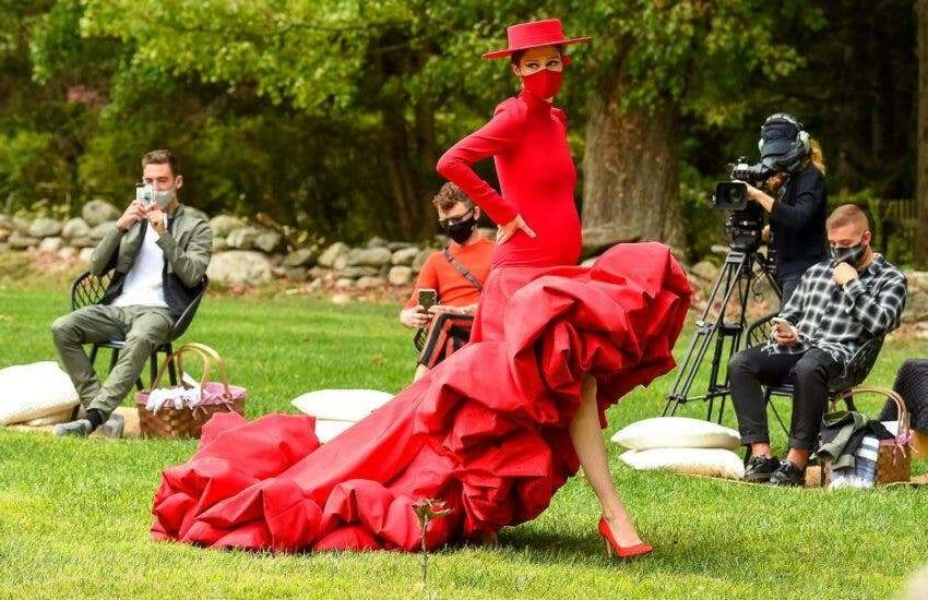 """Christian Siriano despide la """"Fashion Week"""" de Nueva York desde su jardín"""