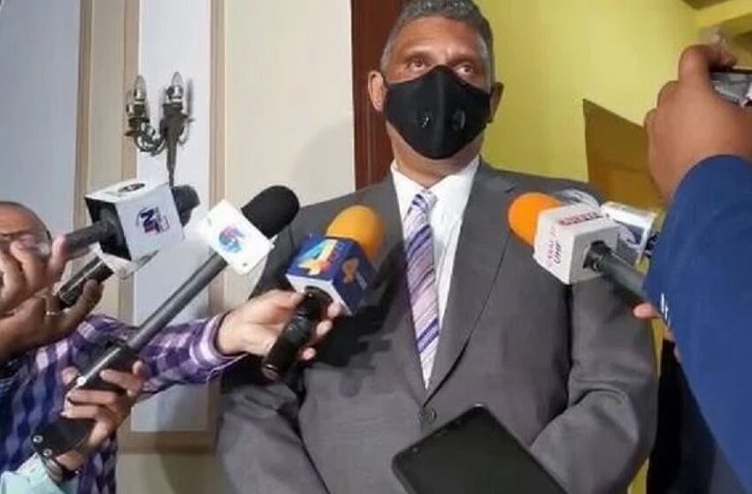 El Ministro de Interior y Policía RD revela que da positivo a COVID-19