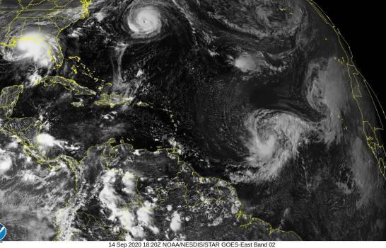 Sally se convierte en huracán y se forma la tormenta Vicky