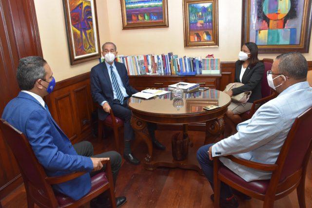 Ministro de Mescyt y rector del ITLA realizan reunión para fortalecer programas virtuales