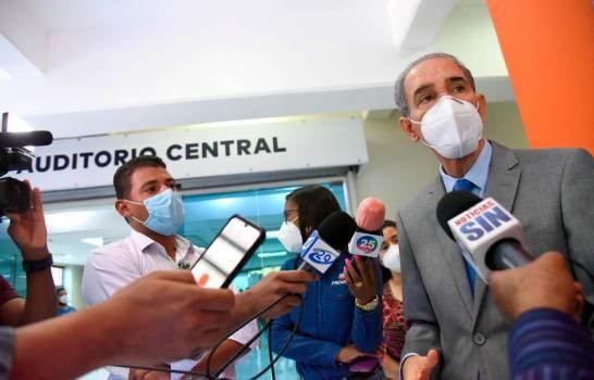 Franklin García dice no dará becas a hijos de funcionarios ni empresarios