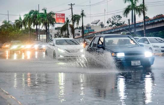 Llega otra onda tropical este lunes al país