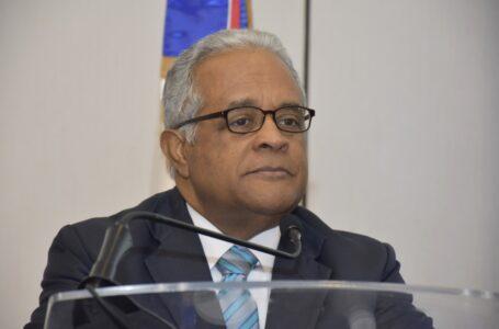 Exministro denuncia cifras del COVID-19 son más altas que las presentadas por el gobierno