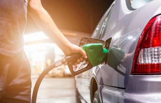 Bajan las gasolinas; precios de los demás combustibles sufren variaciones