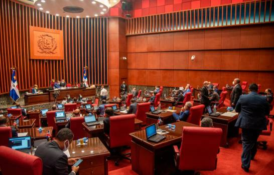 Senado de la República corre con los gastos de los empleados de las oficinas senatoriales
