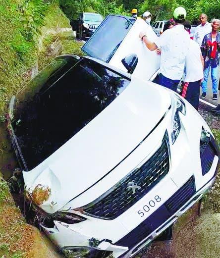 Exdirector Coraasan y familia sufren accidente