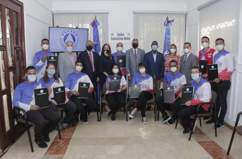 PARLACEN reconoce a estudiantes de INTEC ganaron primer lugar en concurso de la NASA