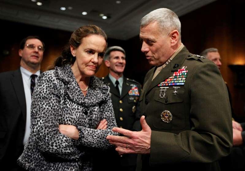 Biden designaría 1ra mujer secretaria de Defensa