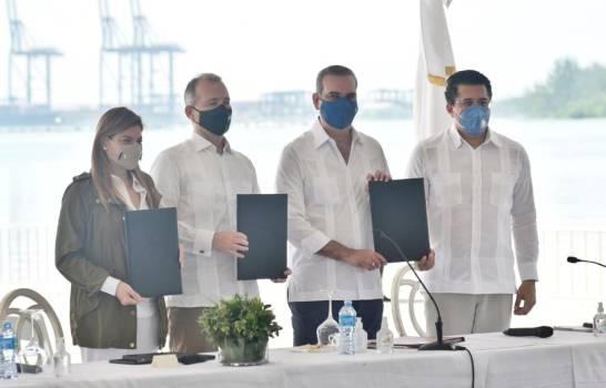 Sector turismo y el BID firman acuerdo para la protección de las costas de RD y al manejo del sargazo