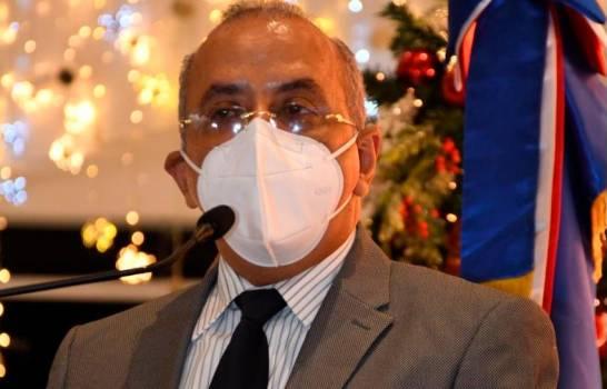 Medidas restrictivas por COVID-19 serán mucho más duras, advierte ministro de Salud