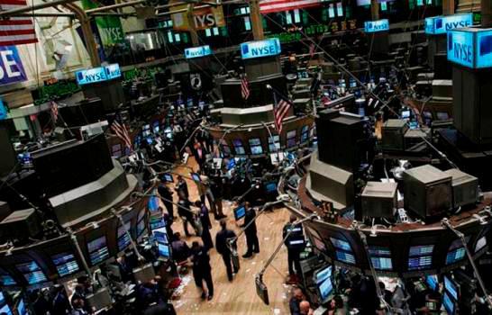 Dow Jones supera la cota de 30,000 puntos por primera vez en Wall Street