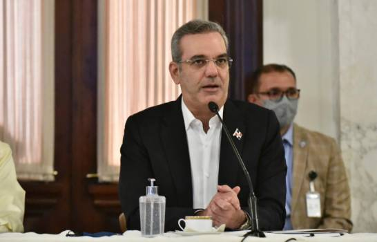 Luis Abinader permanece en silencio sobre los arrestos de dos hermanos de Danilo Medina y ocho exfuncionarios del PLD