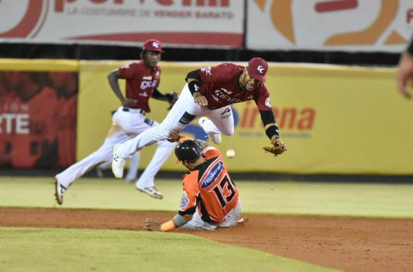 Gigantes y Estrellas pelean por un puesto en clasificación beisbol de RD