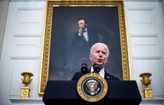 Biden aumenta ayudas ante crisis alimentaria que afecta a millones de estadounidenses