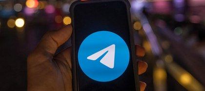 Tras nuevas políticas de privacidad de WhatsApp, millones de usuarios descargan Telegram y Signal