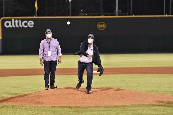 Aguilas vencen Gigantes y ganan primero de la final beisbol de la RD