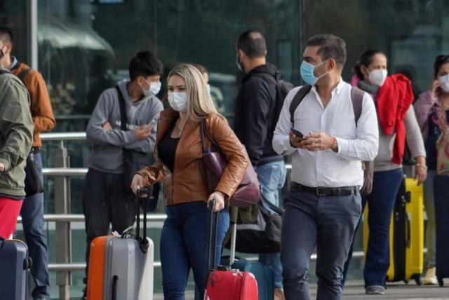 Biden anuncia que pasajeros que viajen a EEUU deberán hacer una cuarentena a su llegada
