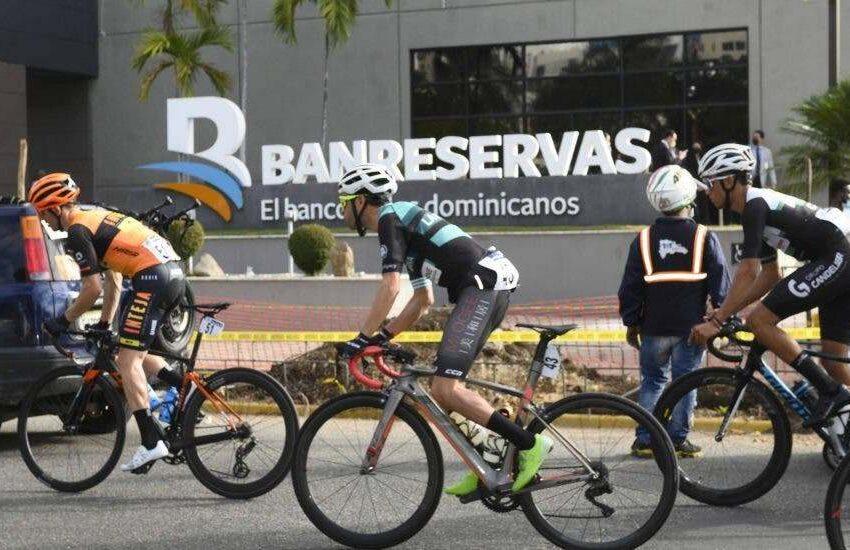Dejan iniciada la cuarta etapa de la Vuelta Ciclista Independencia Nacional 2021