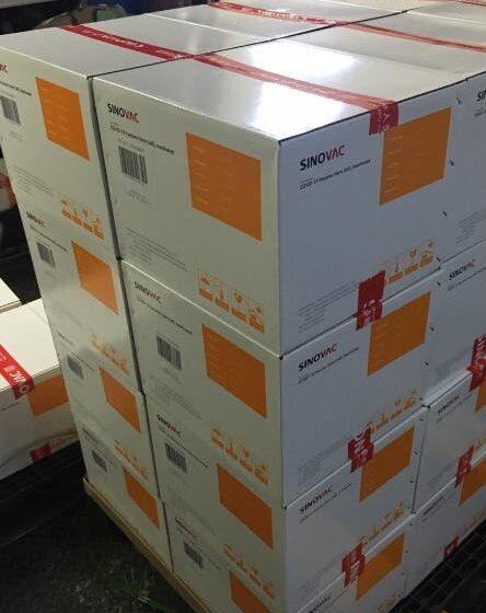 Gabinete Salud envía la vacuna Sinovac a 18 provincias