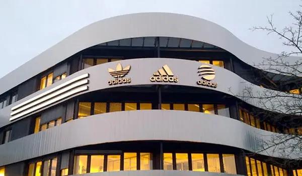 Adidas venderá la marca estadounidense Reebok