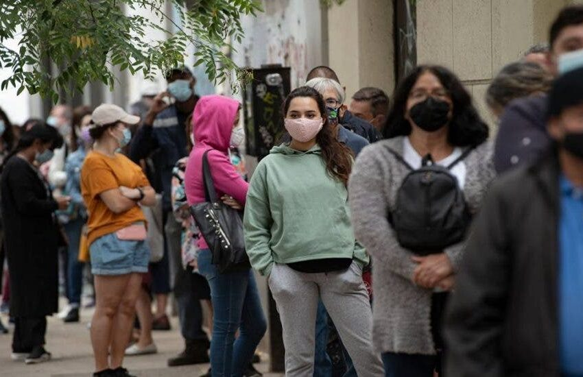 OMS destaca que los contagios globales se han reducido un 50 % en 5 semanas