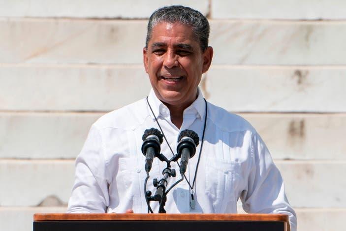 Adriano Espaillat anuncia feria de empleos para residentes distrito 13 de NY