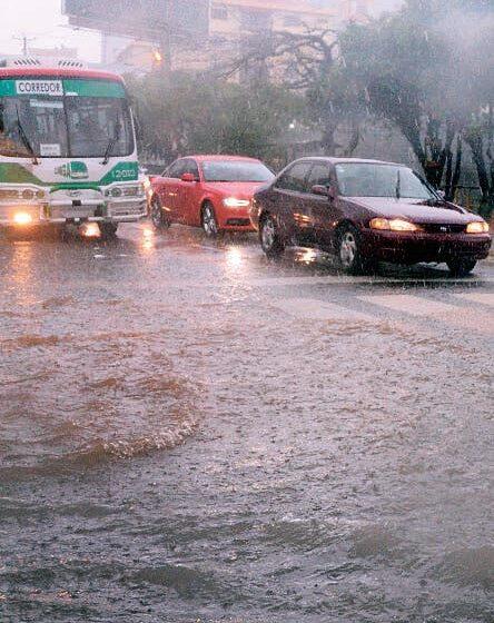 Seguirán las lluvias y viento; suben a 18 provincias en alerta