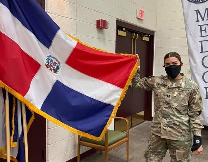Reconocen carrera military profesional de joven Dominicana en EEUU