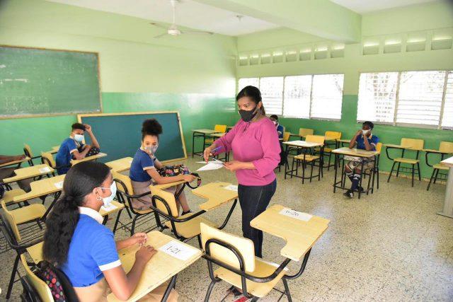 Retorno semipresencial a las aulas está sujeto a disposiciones de autoridades de Salud