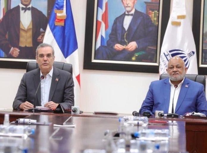 Abinader anuncia año escolar 2021-2022 será presencial