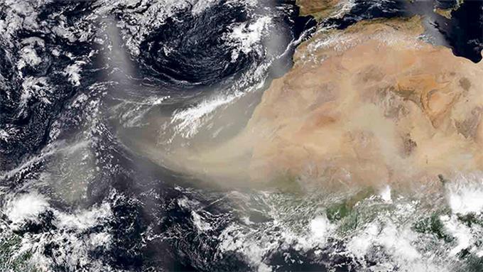 Calor intenso seguirá en RD por ambiente seco y polvo sahariano