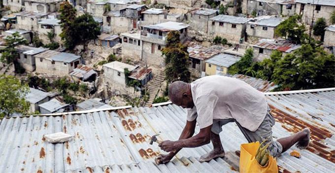 Elsa ya pasó por Cuba y Miami derrumbará edificio afectado