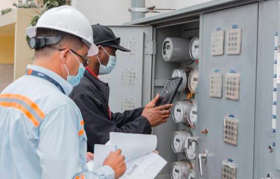 Gobierno comenzará a desmontar subsidio a tarifas eléctricas en octubre
