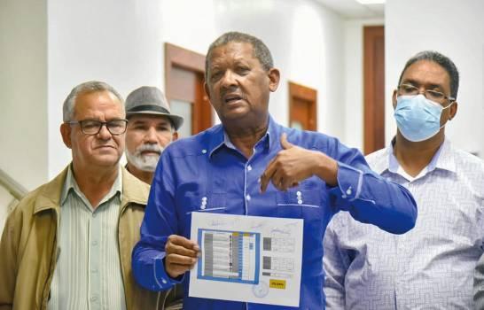 Eduardo Hidalgo sigue a la cabeza en elecciones de ADP, se proclama ganador